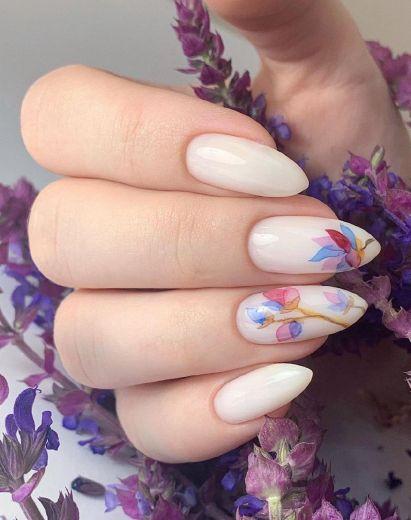 Наращивание и моделированние ногтей
